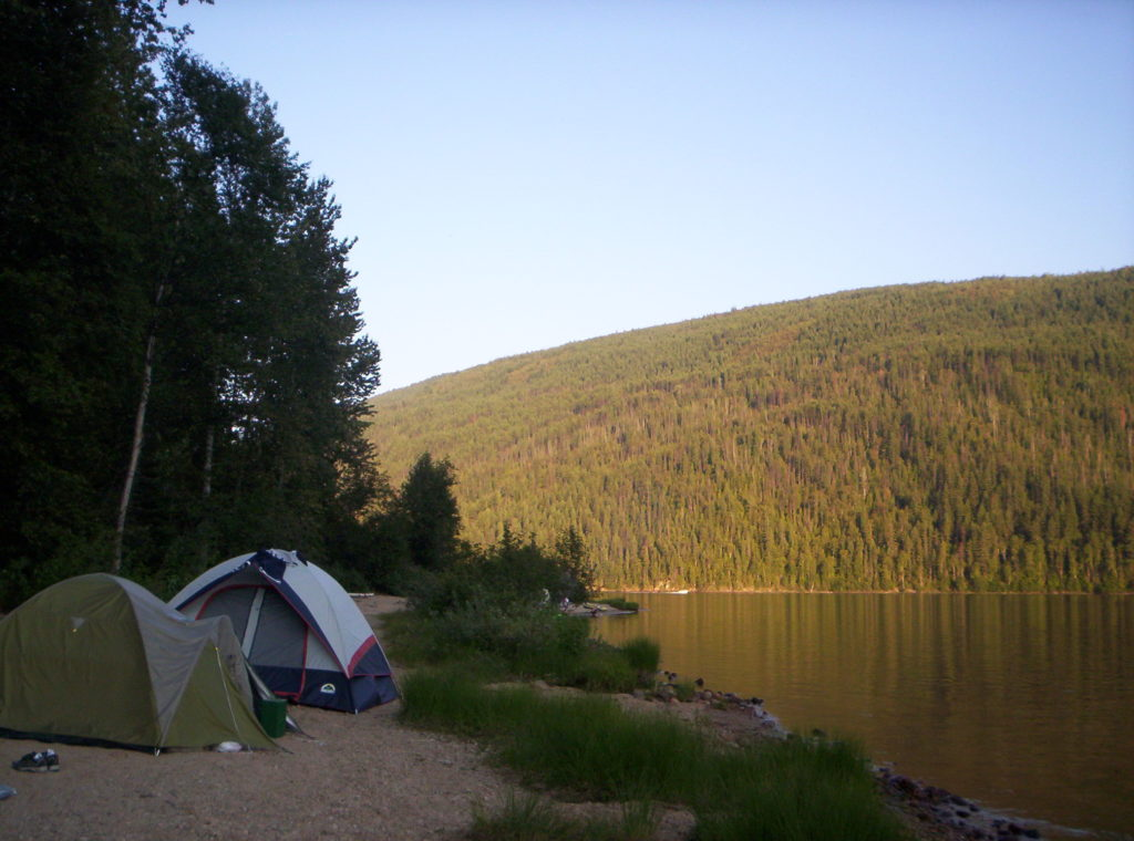 Picture-of-camping-tent-by-lake